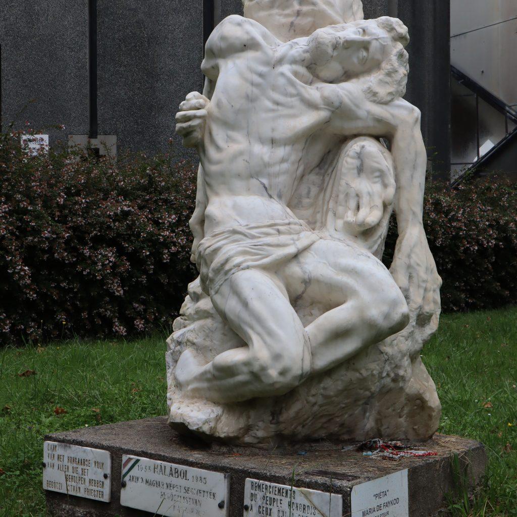 Notre-Dame des Douleurs (1) - Lourdes - Hongrie 1956